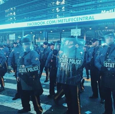 The Poetic Vault : NEWS: Police Break Up Riots At HOT 97 Summer Jam