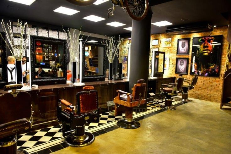 O espaço é único e inspirado nas antigas barbearias nova-iorquinas típicas dos…