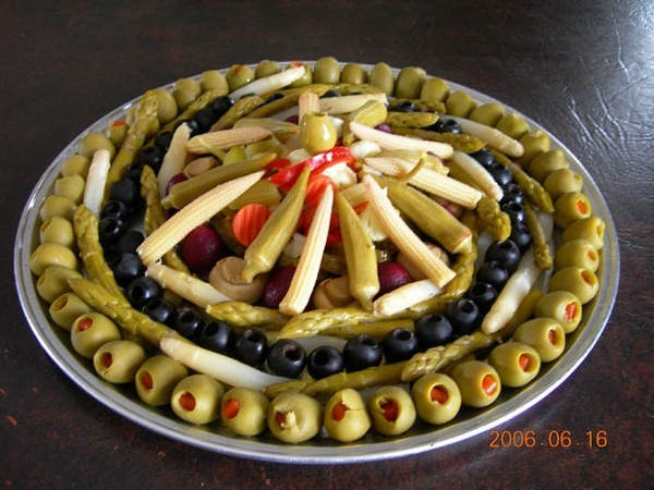 25 Best Ideas About Relish Trays On Pinterest Party Trays Vegetable Trays And Food Trays