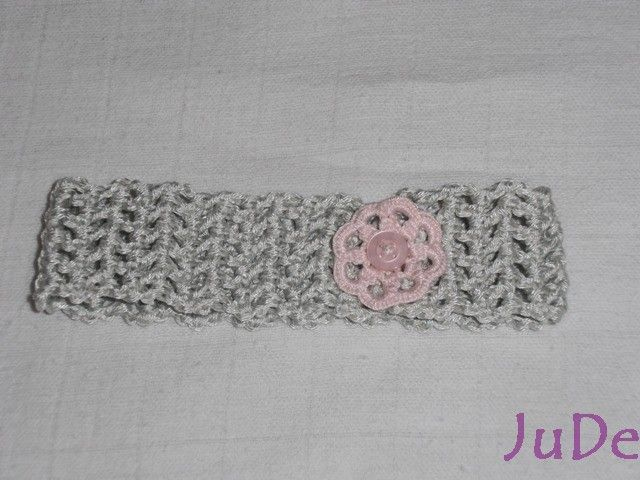 crochet baby headband  https://www.facebook.com/pages/Jude-Handmade/216830615147075