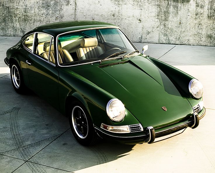 1971 Porshe, classic, those were the days.