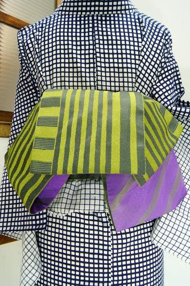 シャルトルーズのリキュールを思わせるイエローグリーンとモスグリーンのストライプ半幅帯です。 #kimono