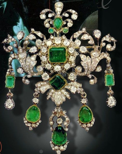 Emerald and Diamond Corsage Ornament. Originally belonged to Elisabeth (1815-1885) Princess Karl of Hessen-Darmstadt, born Princess of Prussia, who left it to her grand-daughter Victoria (sister of Alexandra of Hessen, later the Empress of Russia), later to become the first Marchioness of Milford Haven. She in turn left it to her daughter, Queen Louise of Sweden. The Fürst of Thurn and Taxis bought it for his wife, Princess Gloria in 1982.