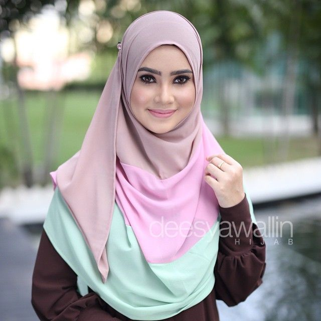 Sweet pastel pale mint + pink + light brown! NUHA SHAWL Code : DHNH 001 Approx…