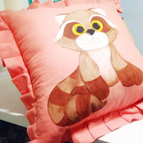 Оригинальные декоративные подушки к 8 Марта. Можно купить в Аквамарине. Загляни к нам🎁euromesto #прачечная #химчистка #клининг #боярка #ателье