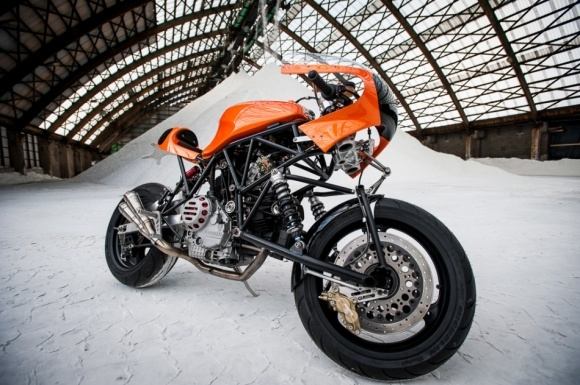 Ducati 900 SS DIfazio by Bernard Mont, an intimidating beast with noble aspirations