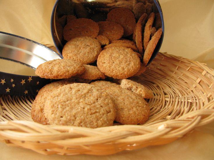 Ricetta biscotti integrali senza zucchero - senza zucchero e preparati con farina integrale, questi biscotti sono naturalmente dolci
