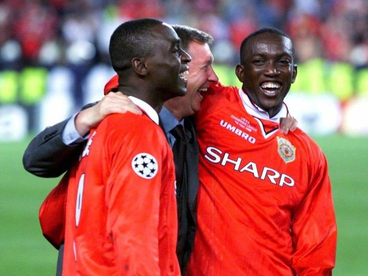 Sir Alex Ferguson celebrates with his Deadly duo Andy Cole & Dwight Yorke after Concluding the last Chapter of the Treble in Barcelona.... #GoldenMemories♥