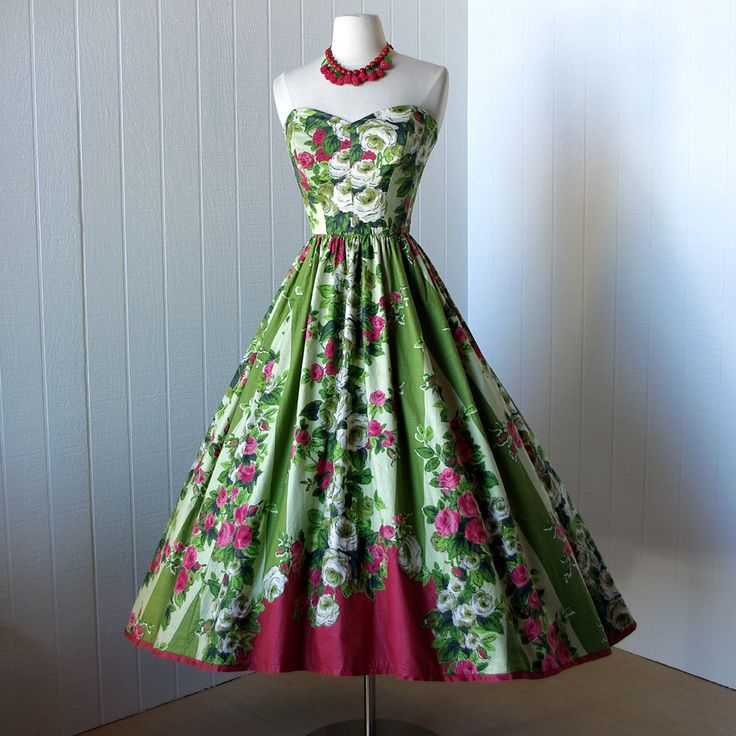 seriously. i need a spring garden party now. vintage 1950s dress @traven7 on etsy