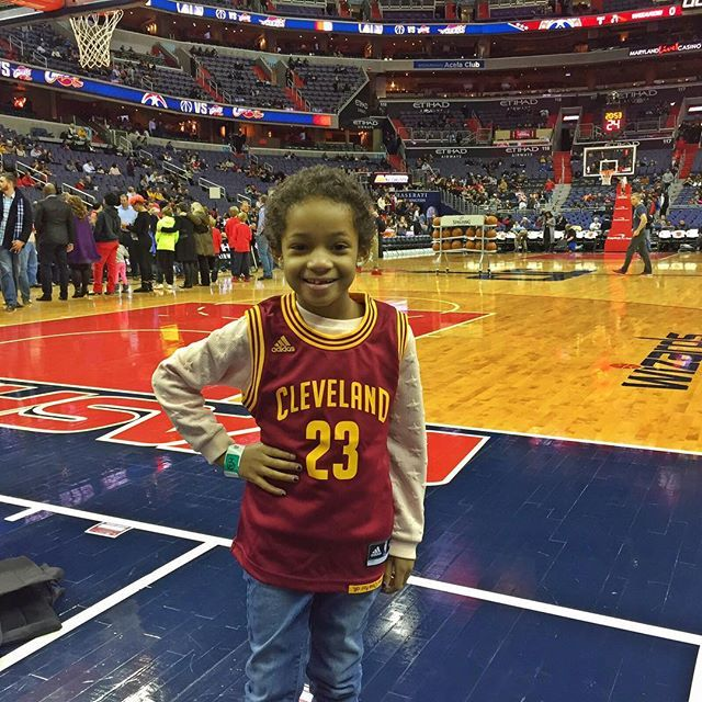 Had got tix to the Wizards vs Cavs game tonight so Leah could see her favorite bball player in action before her treatment. Ended up not being able to go because I had to fly to Houston but as you can see Leah wasn't about to let that stop her from seeing @kingjames tonight  #iCantBlameHer #iStillLoveYouEvenThoYouWentWithoutMe #ThoughtWeWasATeam lol