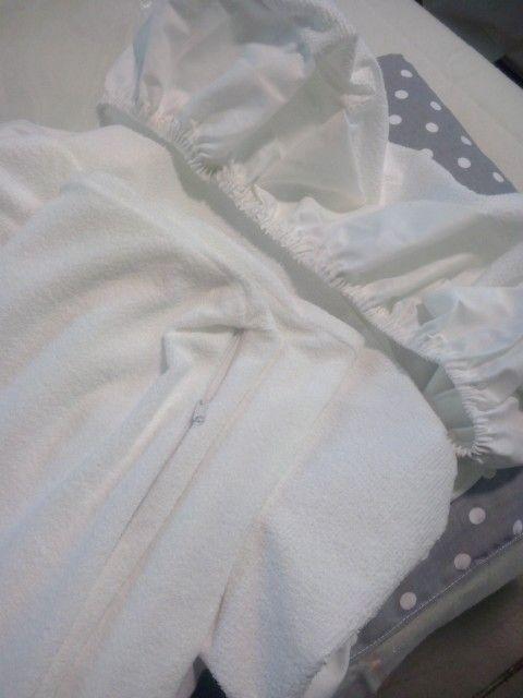 Spugna per materasso - lenzuolino sotto con angoli www.irenebi.it realizzazione Irene Bi di Irene Brigolin