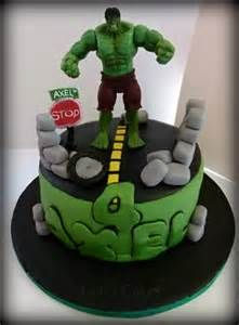 Pinterestteki 25den fazla en iyi Hulk cakes fikri Avengers