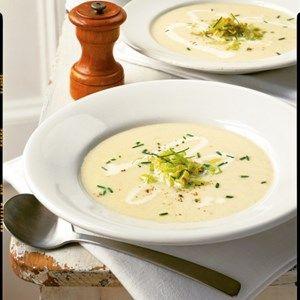 Cremet porre kartoffel suppe.   Jeg puttede lidt mere porre i samt tilføjede grønne urter, især en smule timian var lækkert.