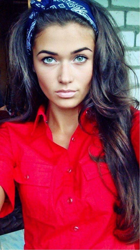 Eyebrows, makeup, hair, just perfect.