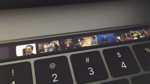Tenor for Mac incorpora GIFs en la Touch Bar   Los servicios de mensajería modernos han regalado una segunda vida a los míticos GIF animados. Estas imágenes en movimiento sirven para complementar conversaciones de la manera más rápida y divertida posible no sólo para ahorrar tiempo de tecleo en dispositivos móviles sino también para echar unas risas en el equipo de sobremesa. Y es que quién no tiene un GIF favorito a día de hoy? Hay muchas soluciones con las que disponer de tu selección…