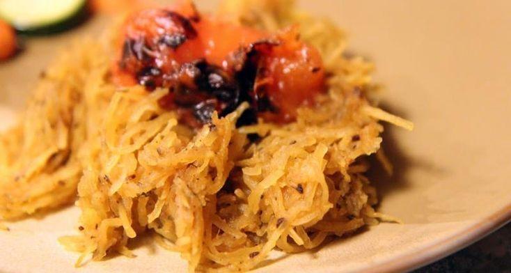 Жареные спагетти сквош с коричневым маслом и зеленью