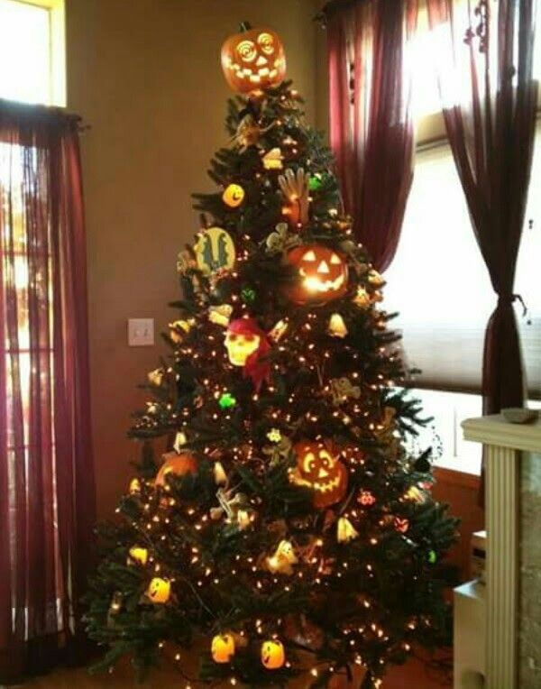 Halloween Tree Decorating Idea