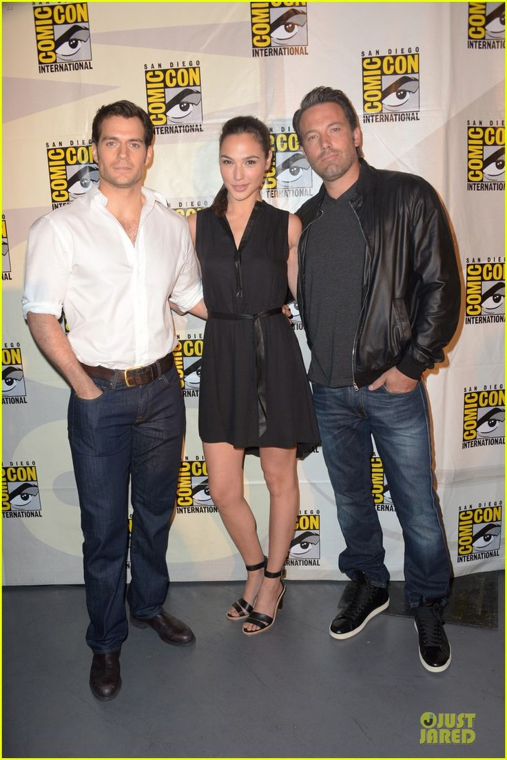 Henry Cavill & Ben Affleck Surprise Comic-Con to Give First Look of Gal Gadot as Wonder Woman!