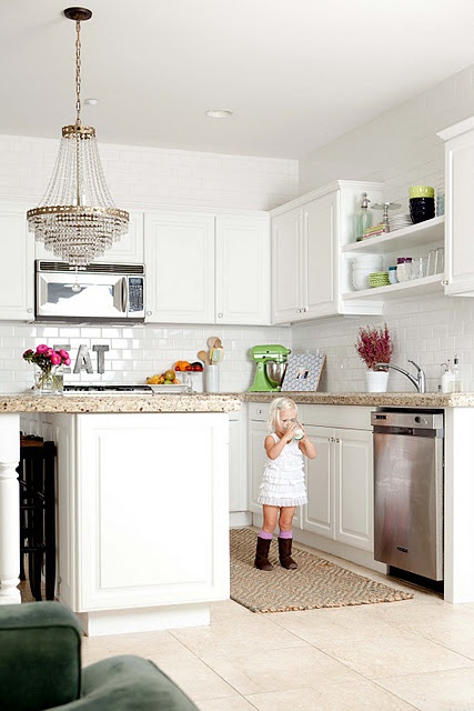 Chandalier and subway tile kitchen.  Get it!