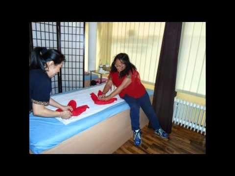 Thaitraditionalmassage/Thaioelmassage in Bambus Wellness Amorbach  Ich habe dieses Video mit der Funktion zum Erstellen von Diashows von YouTube erstellt :  http://youtu.be/yjH1Nb4w5UA  Thai Traditional Massage and Asiatische Techniques