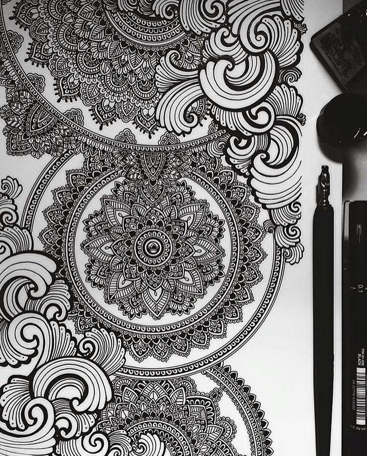 Beautiful & intricate work by Asmahan A.B Mosleh - @murderandrose.