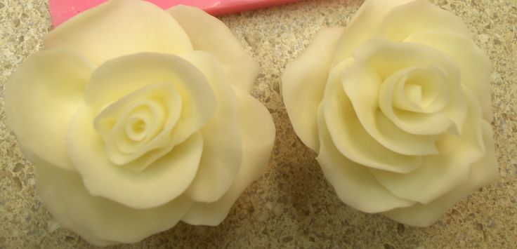 Making a Rose using Molding Chocolate...