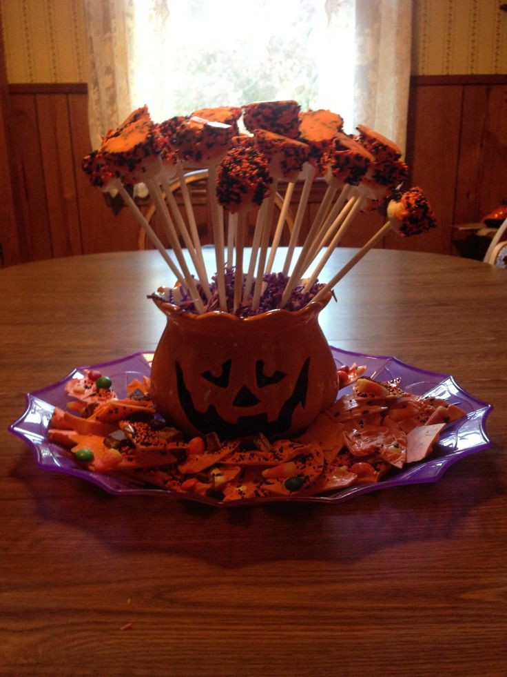 great halloween centerpiece made with marshmallowsmelted chocolate sprinkles and popsicle sticks - Halloween Pool Decorations