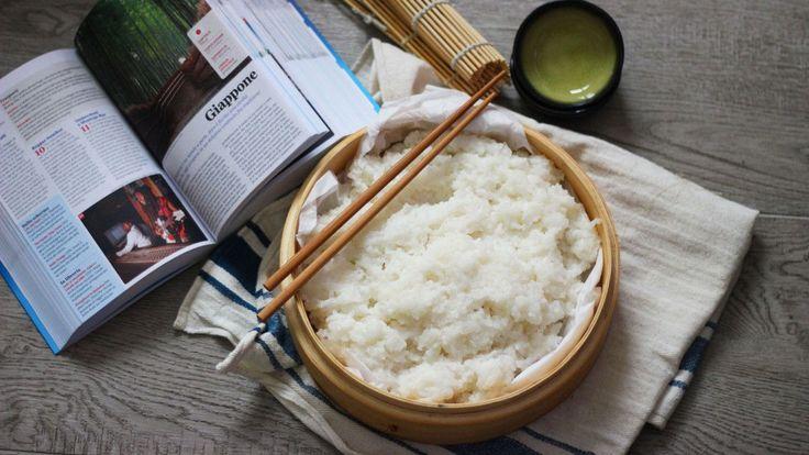 Il sushi è diventata ormai una moda anche nel nostro paese. Lo possiamo trovare in quasi tutte le città. Ha origini molto antiche e all'inizio era un modo per conservare il pesce ( non esistevano difatti i metodi di conservazione dei tempi moderni): si collocava tra strati di riso cotto mescolato con aceto di riso migliorava le condizioni di vita dei batteri e quindi la fermentazione del pesce, in modo da conservarlopiù a lungo. Via viaquesto processo è stato abbreviato in modo da poter…