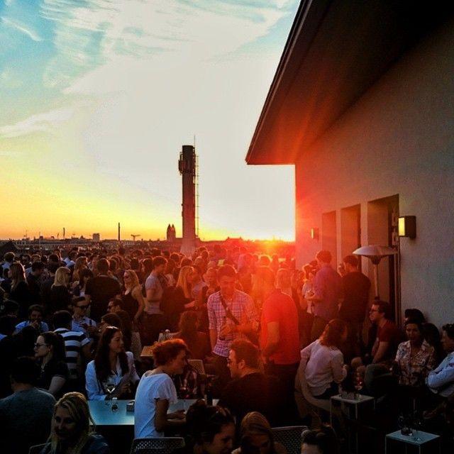 VORHOELZER FORUM  Arcisstr. 21, München #vorhoelzer #forum #munichcity #münchen #muc #sunset #rooftopbarmunich #rooftop #drinks