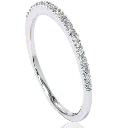 Trouwring Etsy https://www.etsy.com/nl/listing/107590076/diamond-wedding-ring-anniversary-thin