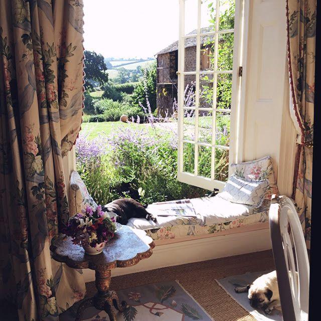 super Erstellen Sie gemütliche englische Cottage-Zimmer mit floralen Chintz-Stoff