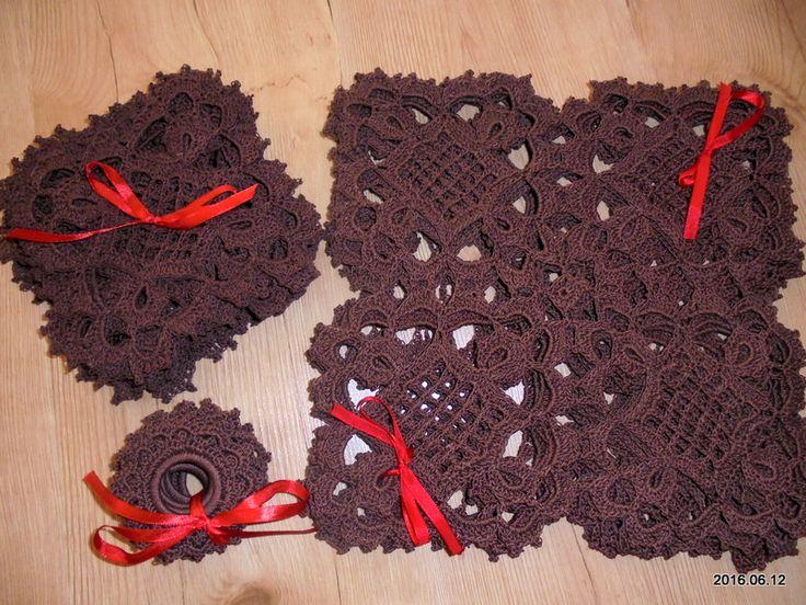 Hobby - Moje rękodzieło / szydełko - komplet serwetek: 12 małych, 6 dużych, 12 pierścieni na podręczną serwetkę // Hobby - My crafts / Crochet - a set of napkins: 12 small, 6 large, 12 rings on a napkin handy