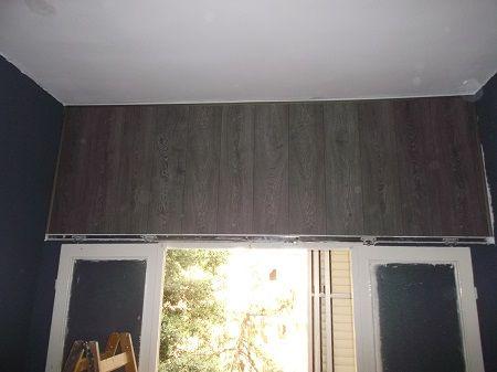 Laminate flooring on the wall  פרקט לקיר - פרקט למינציה לקיר  חיפוי קיר בפרקט למינציה אפור בחלק העליון  יורם פרקט טל: 050-9911998 http://www.2all.co.il/web/Sites1/yoram-parquet/