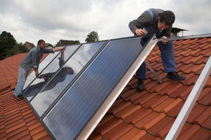 Sonnenkollektoren/ Solar Warmwasser (flach und vakuum)