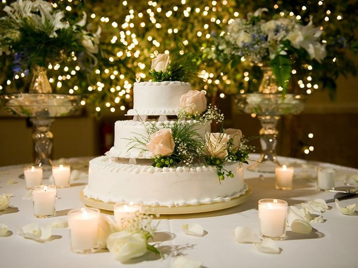 top-30-ideias-de-decoracao-para-casamento-ao-ar-livre_revista-icasei_bolo.jpg (800×600)
