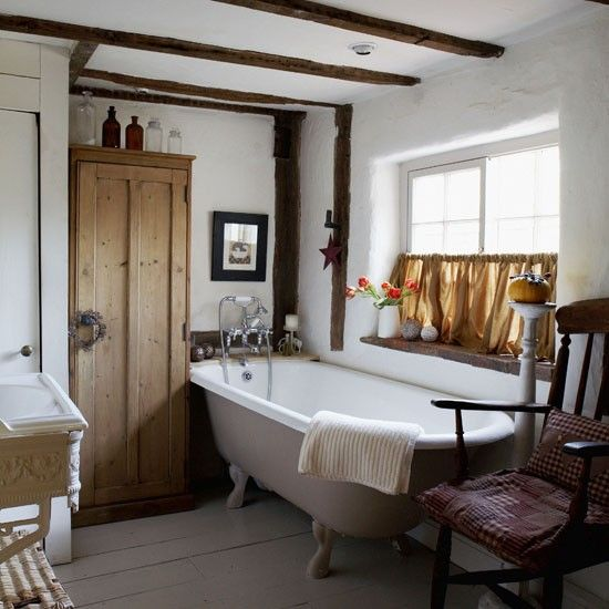 What's with windows and clawfoot tubs? cottage bath | English country | clawfoot tub | vintage bath