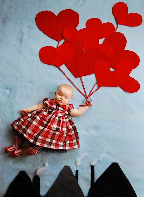 Baby Fotoshooting mit kreativer Szenerie aus Papier gestaltet. Einfach und schnell umsetzbar :: baby.
