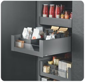 Blum Products - Box systems - LEGRABOX application 2 Kitchens