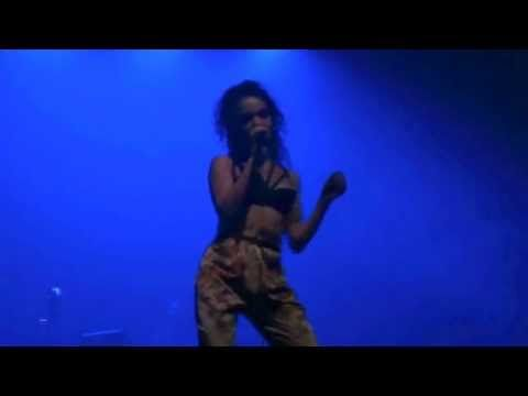 FKA Twigs - Papi Pacify (HD) Live In Paris 2014 - YouTube