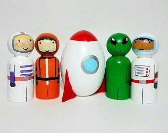 Astronaut and Alien Peg Doll Set