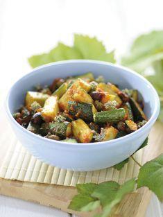 Padellata di zucchine in salsa di pomodori e olive - Tutte le ricette dalla A…