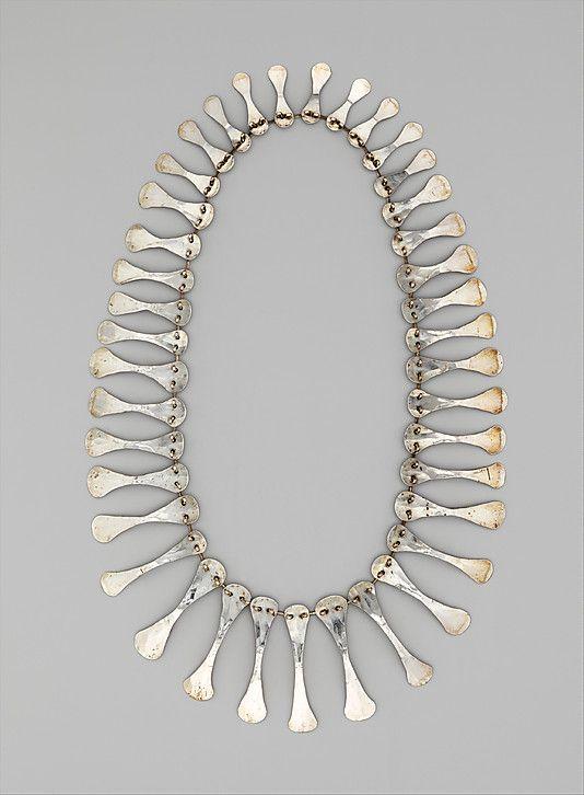 Necklace-Alexander Calder-1940