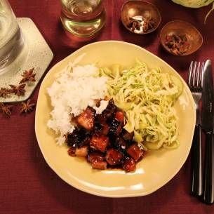 Hoisinfläsk med syrlig sallad och ris - Recept från Mitt kök - Mitt Kök