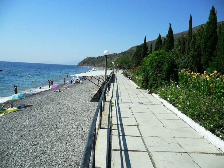 галечный пляж курорта Канака