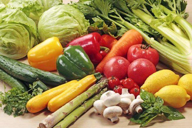 【野菜の茹で方】水から茹でる?熱湯から茹でる?簡単な覚え方!  ・土の下に出来る野菜は水から…芋類や根菜、かぼちゃなど   ・土の上に出来る野菜は熱湯で…キャベツ、ほうれん草、ブロッコリーなど(塩茹でして冷水にさらす)