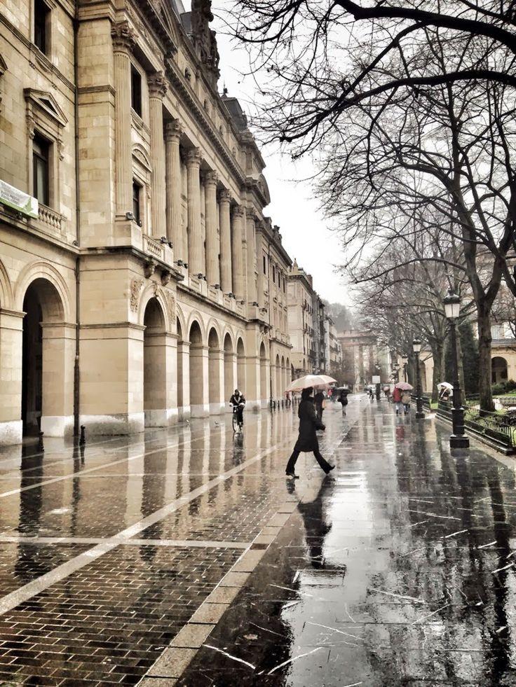 Lluvia eterna en la city - Donosti - San Sebastian, Basque Country (spain)