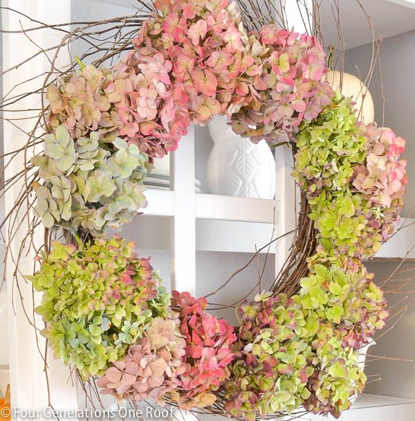 how to make a wreath using hydrangeas