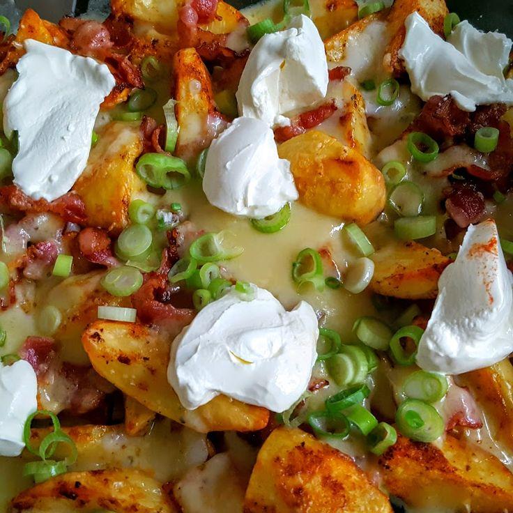 Pubstyle geroosterde aardappelen met kaas, bacon en crème fraîche