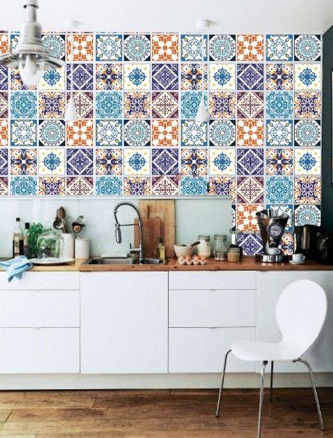 Uma alternativa para mudar a cozinha com um belo conjunto de adesivos de parede para azulejo!