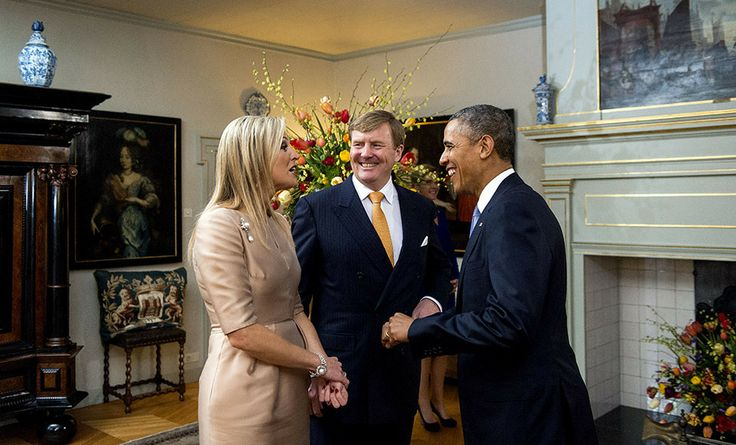 King Willem Alexander and Queen Maxima welcome President Obama in Palace Huis ten Bosch - Made possible by www.iCraiova.com